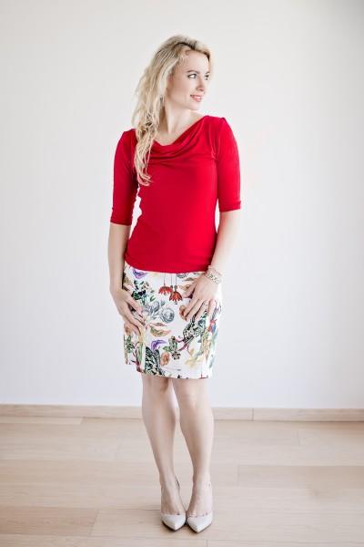 Fotografie Pouzdrová sukně rozkvetlá louka